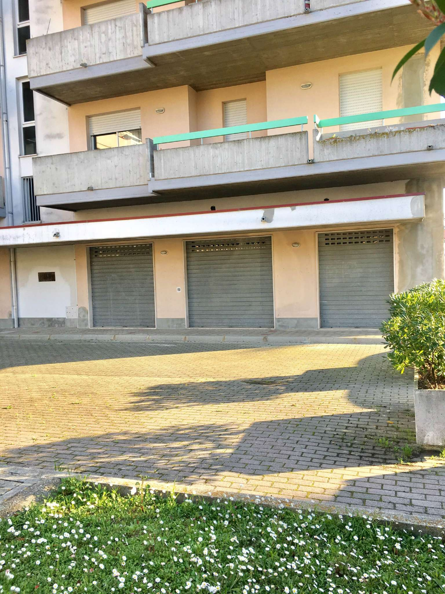Negozio / Locale in affitto a Montesilvano, 2 locali, prezzo € 500 | Cambio Casa.it
