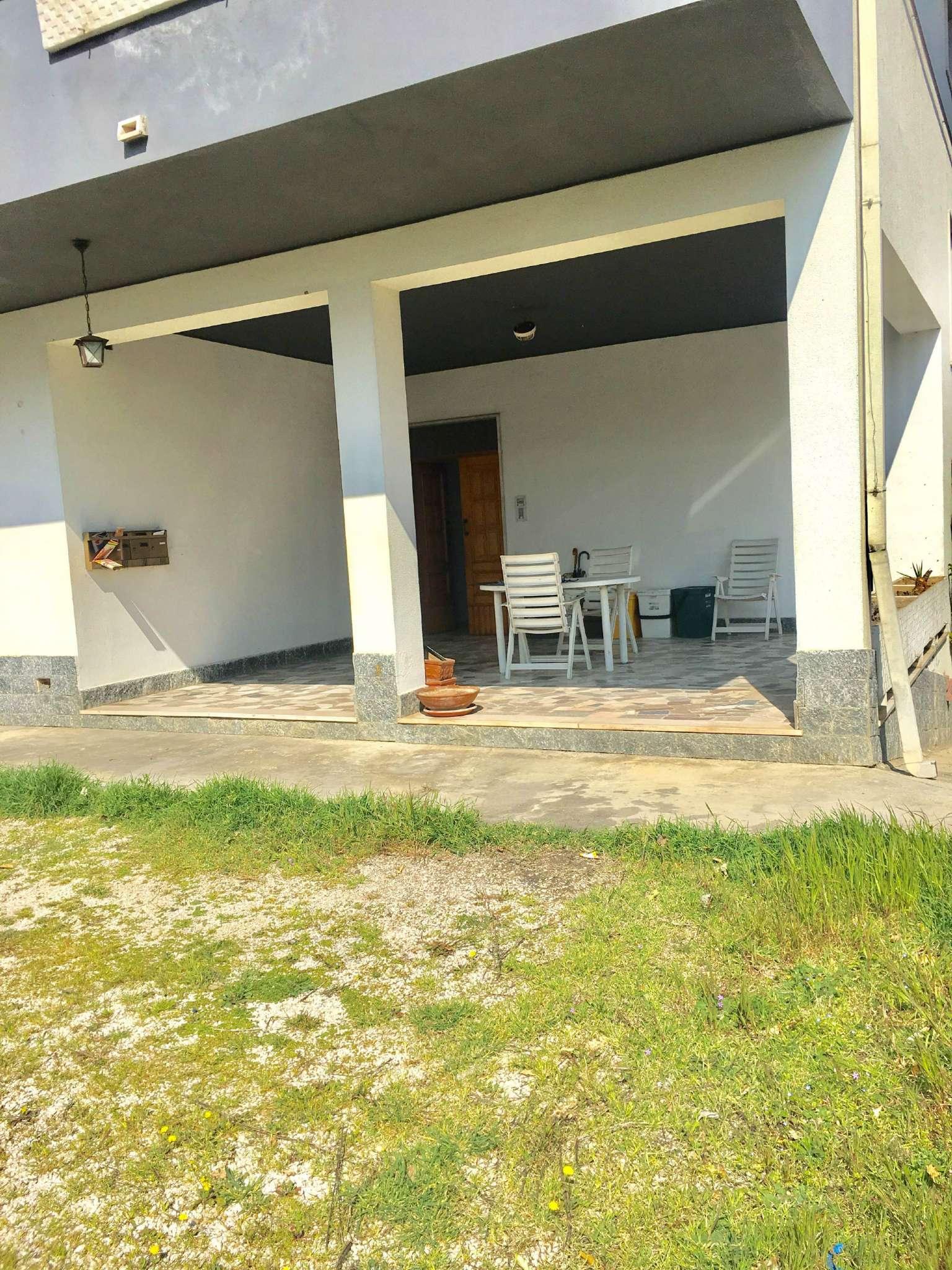 Appartamento in affitto a Collecorvino, 2 locali, prezzo € 320 | CambioCasa.it