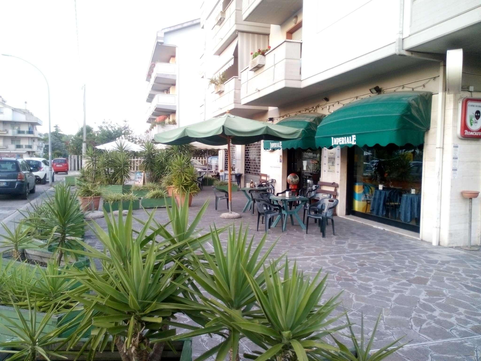 Negozio / Locale in affitto a Città Sant'Angelo, 2 locali, prezzo € 1.300 | CambioCasa.it