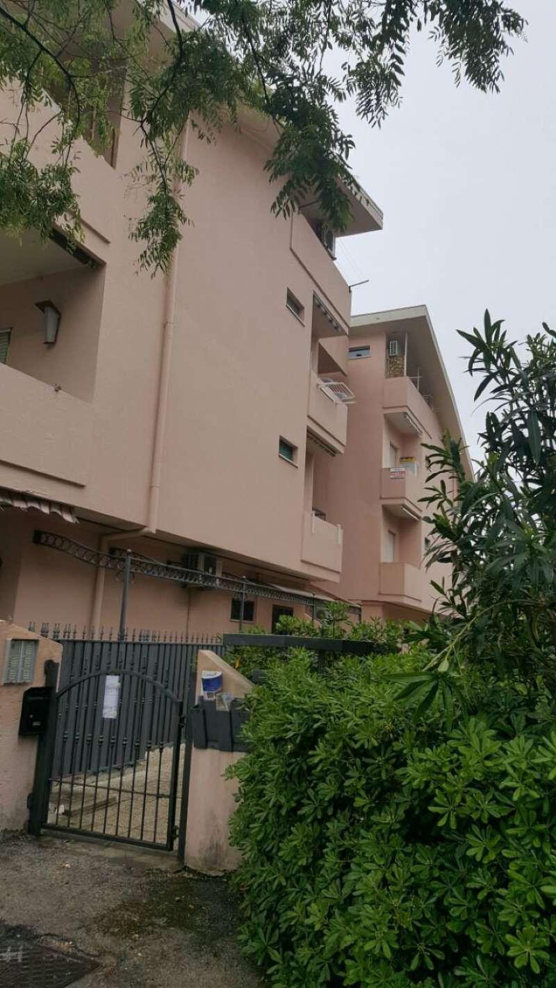 Appartamento in affitto a Silvi, 2 locali, prezzo € 300 | Cambio Casa.it