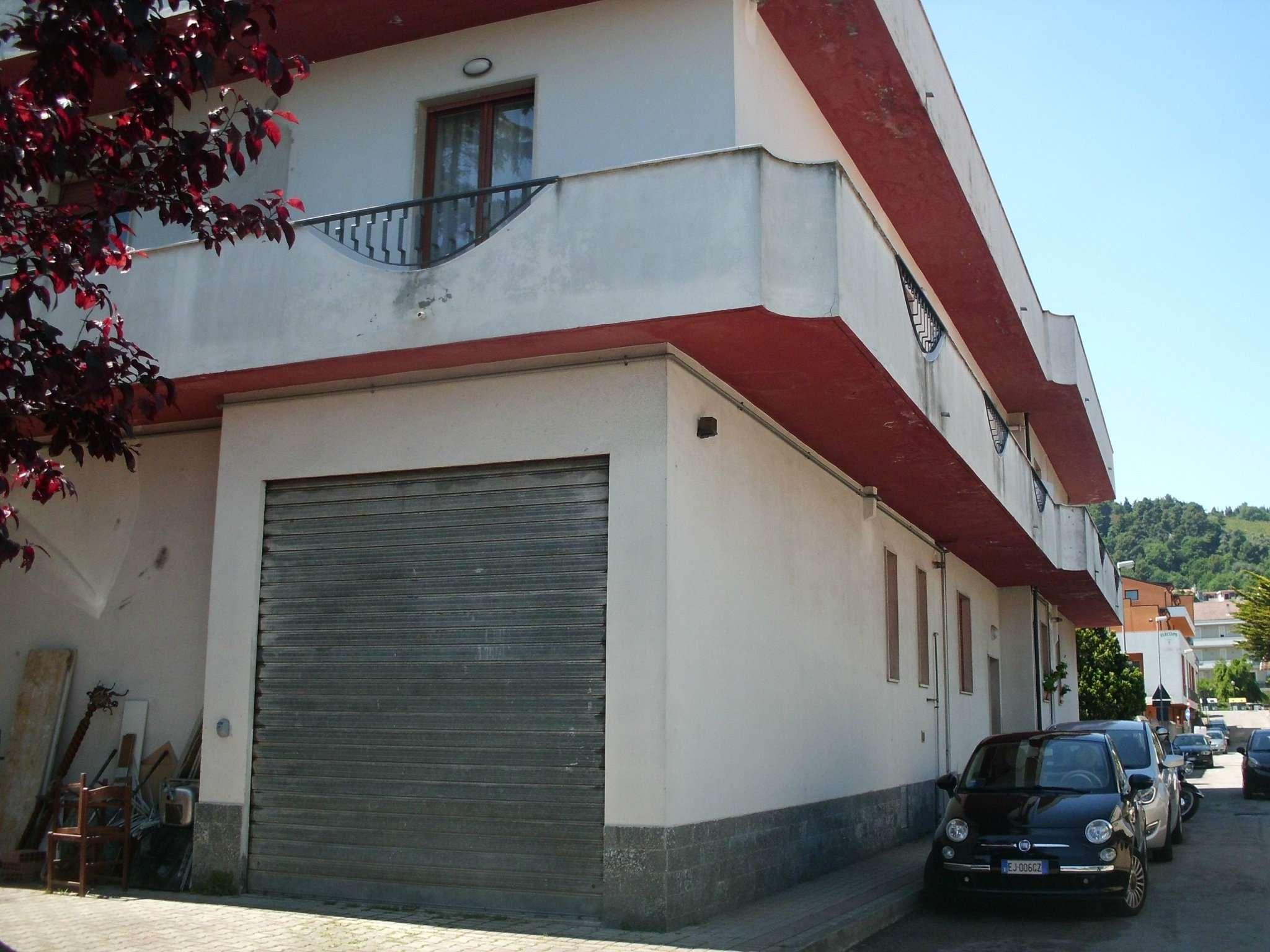 Appartamento in affitto a Montesilvano, 2 locali, prezzo € 480   Cambio Casa.it