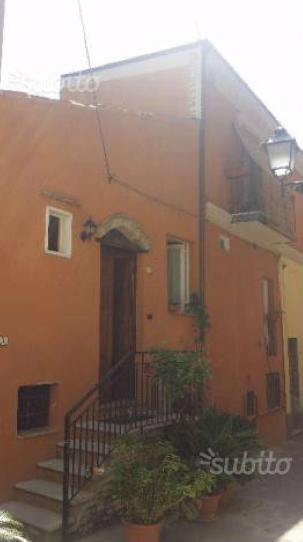 Soluzione Indipendente in affitto a Città Sant'Angelo, 6 locali, prezzo € 500 | CambioCasa.it