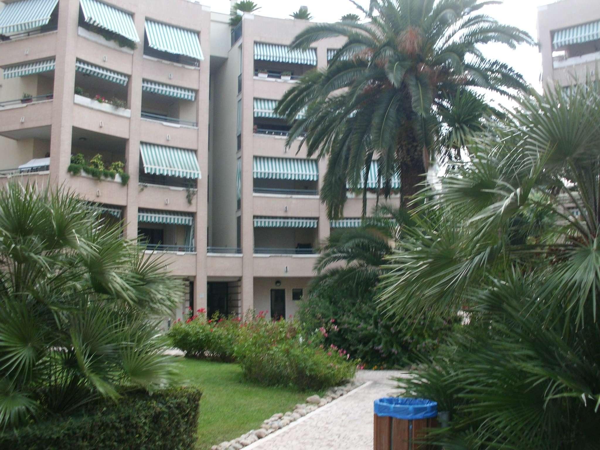 Ufficio / Studio in affitto a Pescara, 3 locali, prezzo € 600 | CambioCasa.it