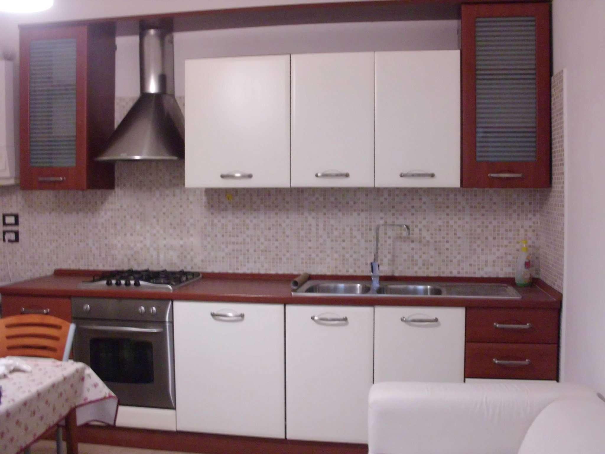 Soluzione Indipendente in affitto a Montesilvano, 3 locali, prezzo € 450   CambioCasa.it