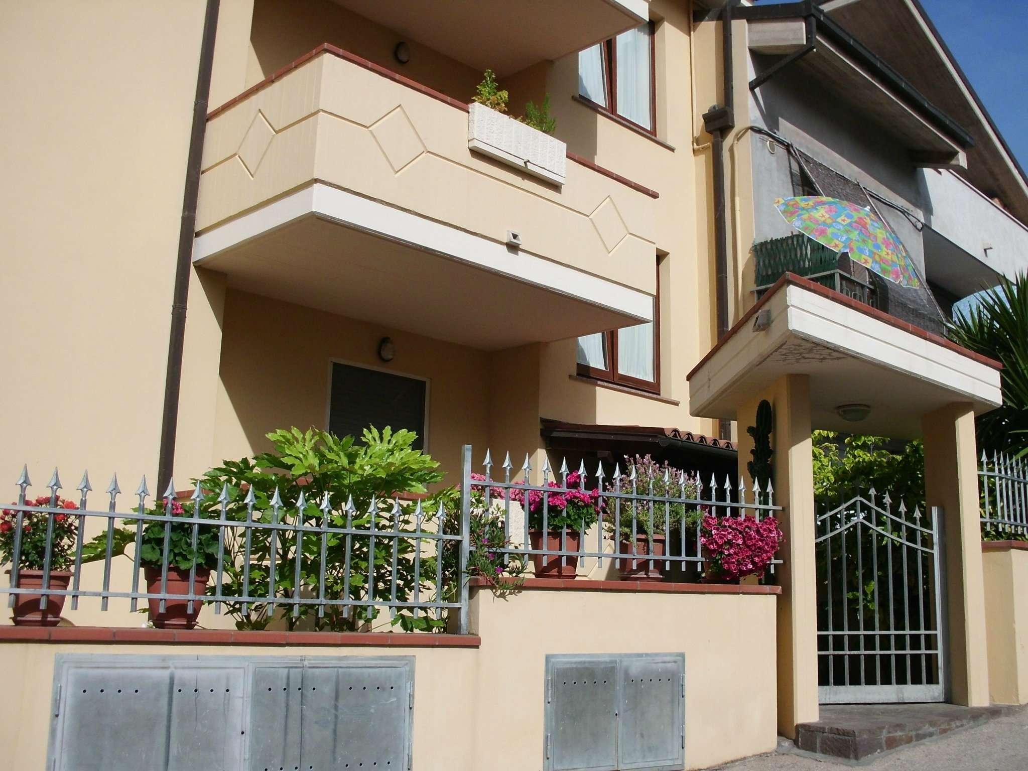 Attico / Mansarda in affitto a Città Sant'Angelo, 2 locali, prezzo € 350 | Cambio Casa.it