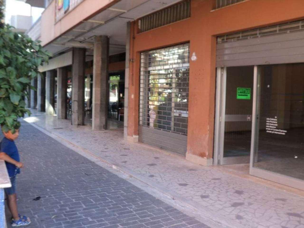Negozio / Locale in affitto a Montesilvano, 1 locali, prezzo € 500 | Cambio Casa.it