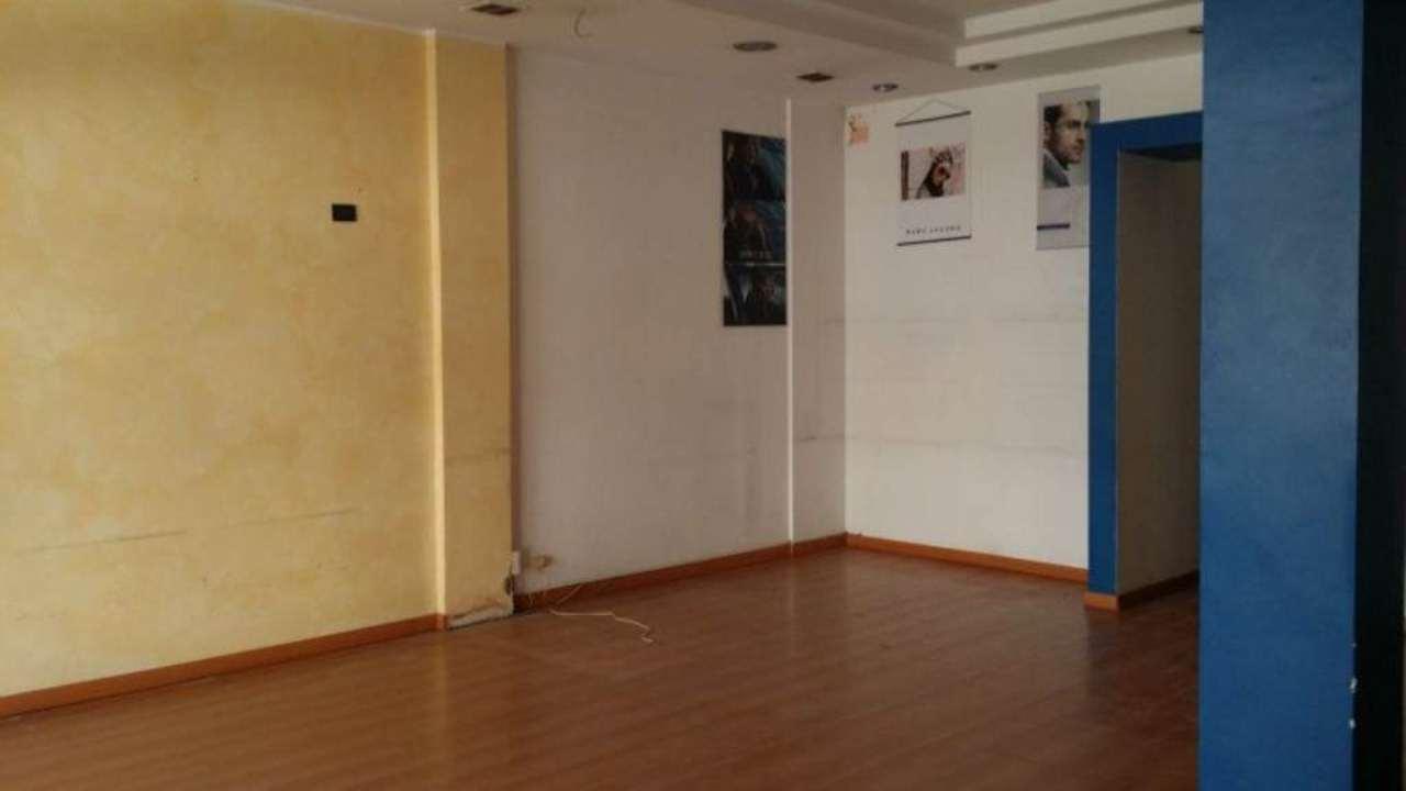 Negozio / Locale in affitto a Montesilvano, 2 locali, prezzo € 1.200 | Cambio Casa.it