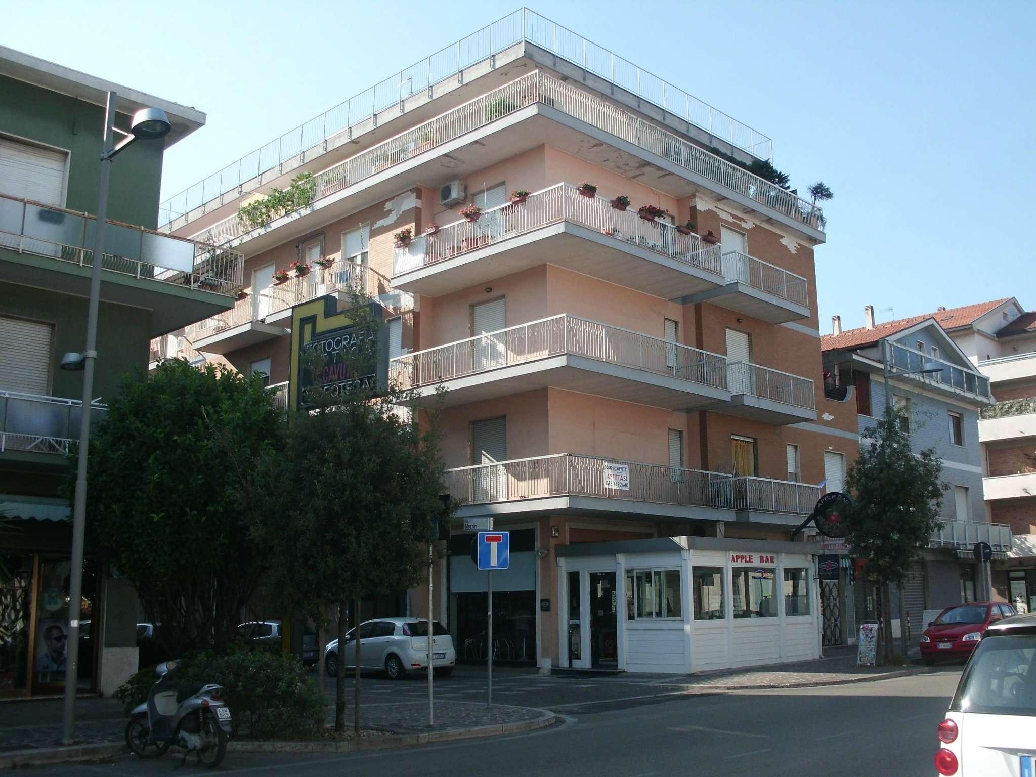 Ufficio / Studio in affitto a Montesilvano, 3 locali, prezzo € 500   CambioCasa.it