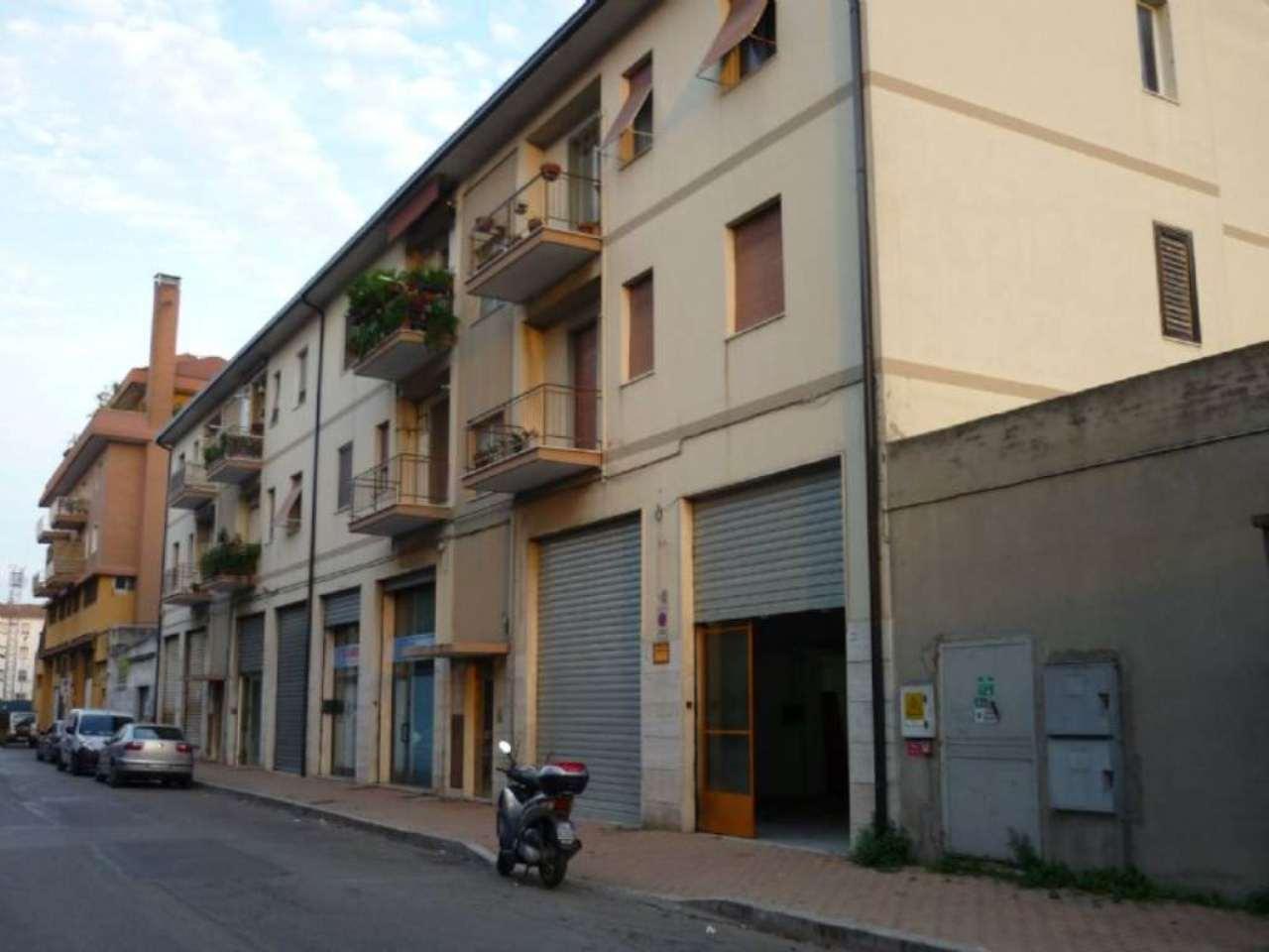 Laboratorio in affitto a Pescara, 3 locali, prezzo € 700 | CambioCasa.it