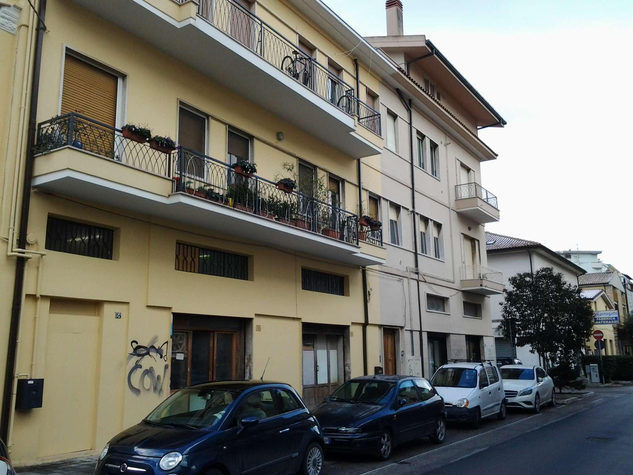 Attico / Mansarda in affitto a Pescara, 6 locali, prezzo € 500 | Cambio Casa.it