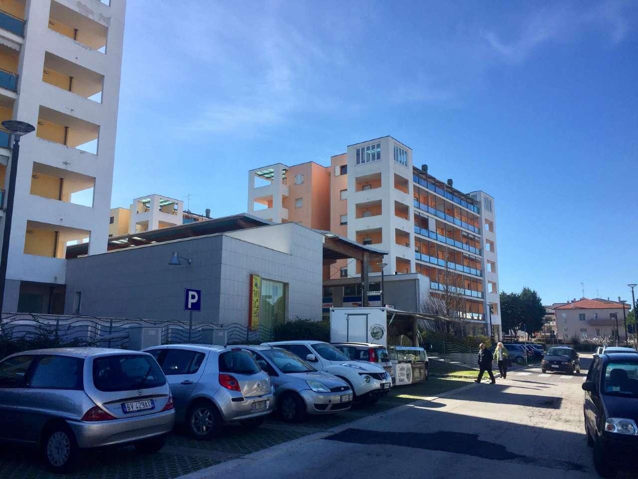 Negozio / Locale in Affitto a San Giovanni Teatino