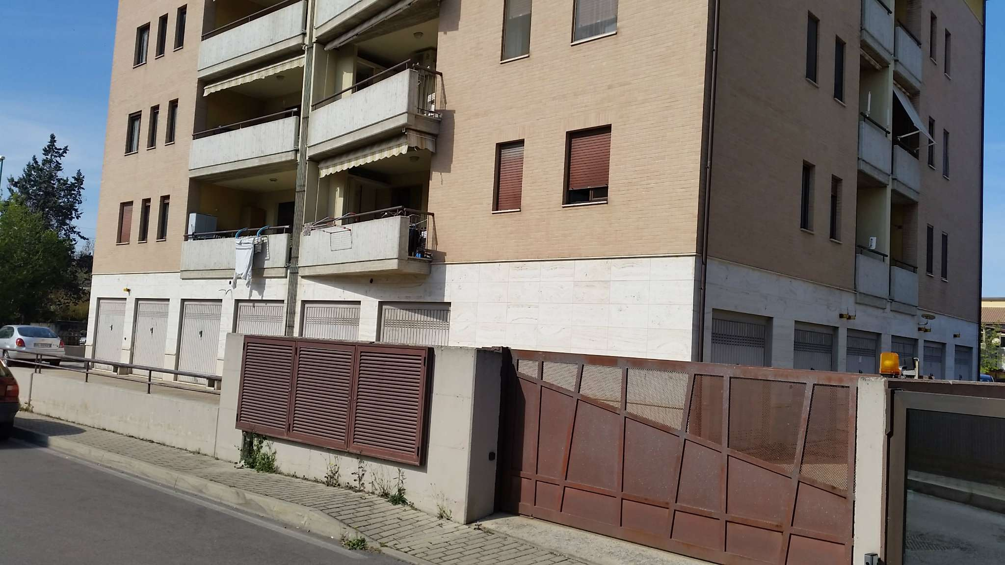 Box / Garage in affitto a Pescara, 1 locali, prezzo € 110 | Cambio Casa.it