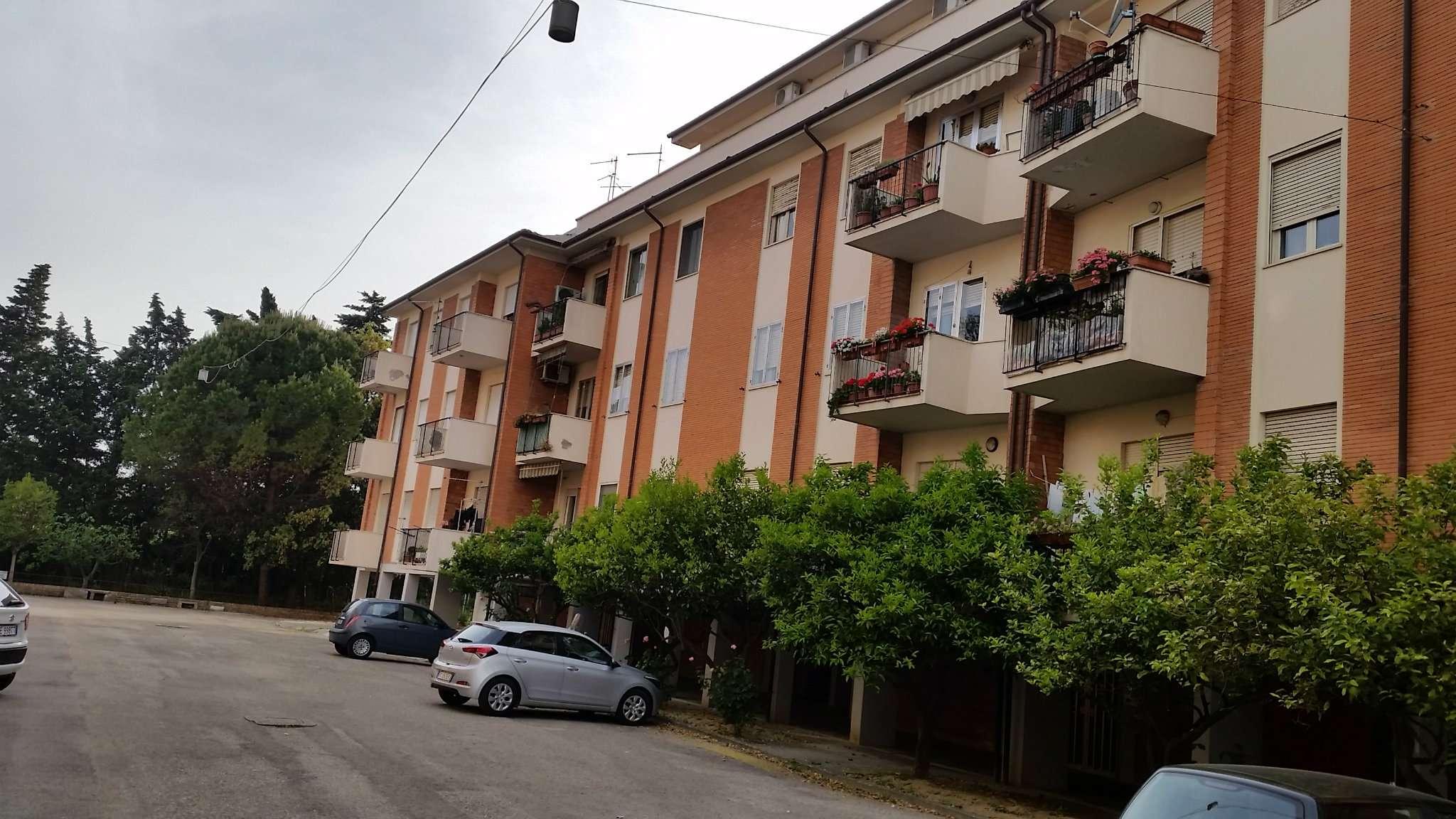 Attico / Mansarda in affitto a Pescara, 5 locali, prezzo € 650 | Cambio Casa.it