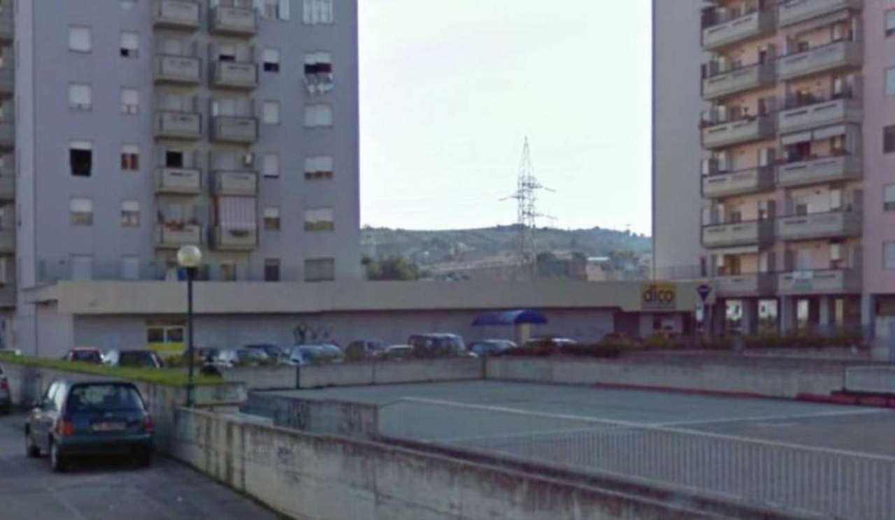 Capannone in affitto a Pescara, 2 locali, prezzo € 2.800 | Cambio Casa.it