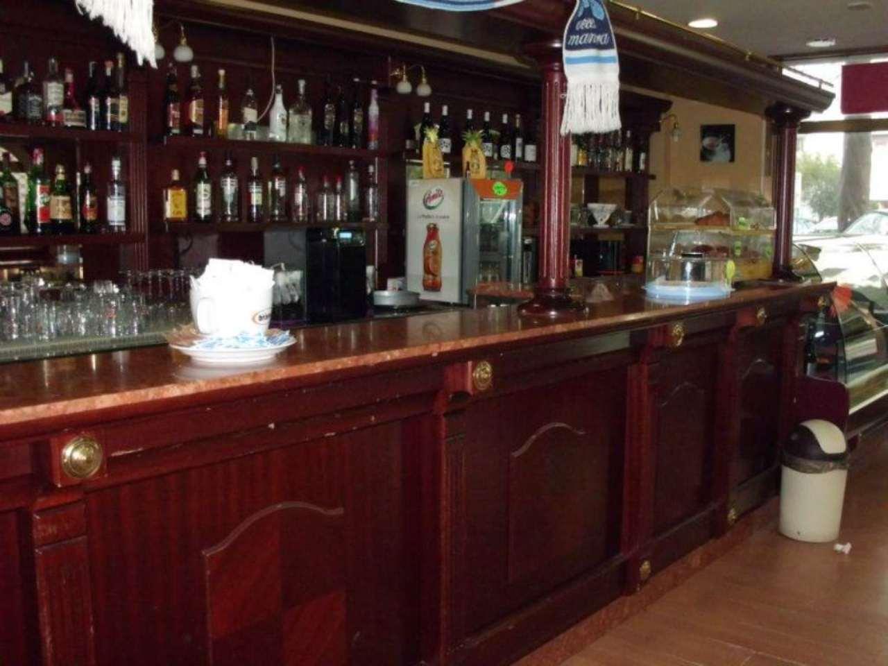 Bar in vendita a Silvi, 3 locali, prezzo € 35.000 | Cambio Casa.it