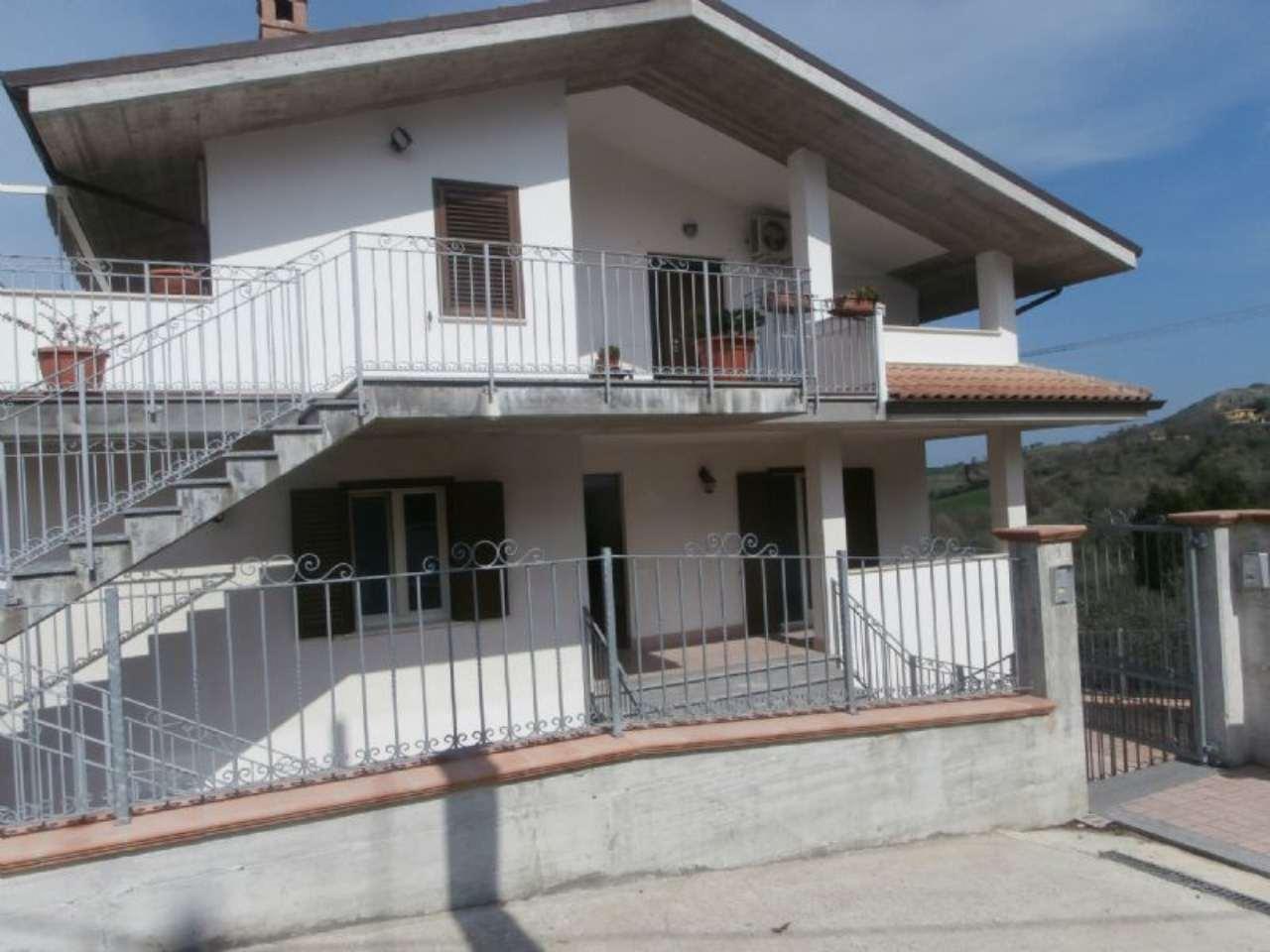 Appartamento in vendita a San Giovanni Teatino, 5 locali, prezzo € 190.000 | Cambio Casa.it
