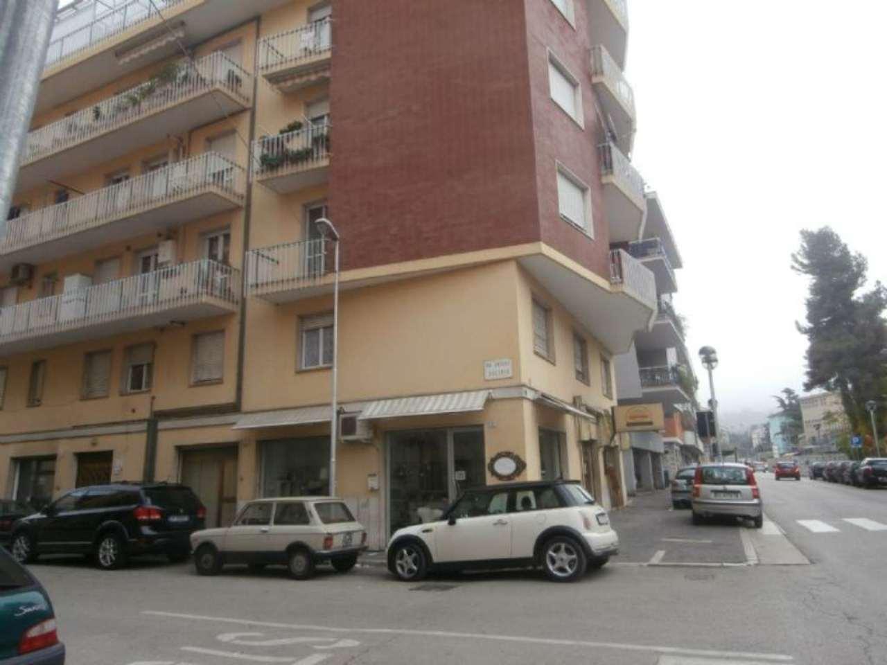 Ufficio / Studio in vendita a Chieti, 5 locali, prezzo € 120.000 | Cambio Casa.it