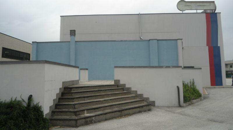 Capannone in vendita a Chieti, 9999 locali, Trattative riservate | Cambio Casa.it