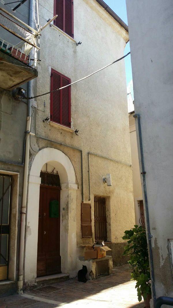 Vendita casa indipendente a spoltore zona spoltore centro for Vendita case milano centro
