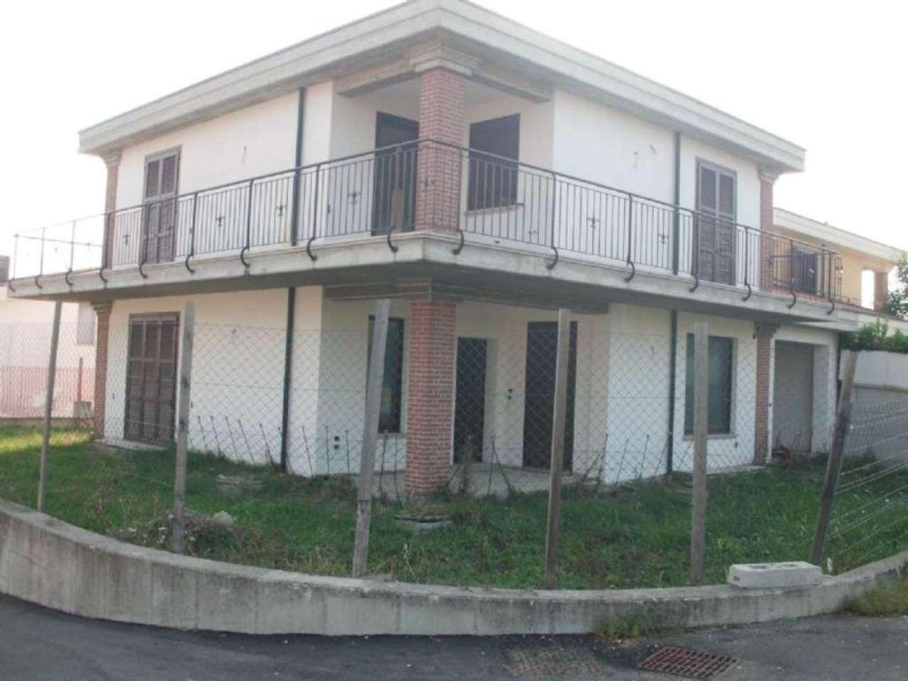 Villa in vendita a Città Sant'Angelo, 5 locali, prezzo € 280.000 | Cambio Casa.it