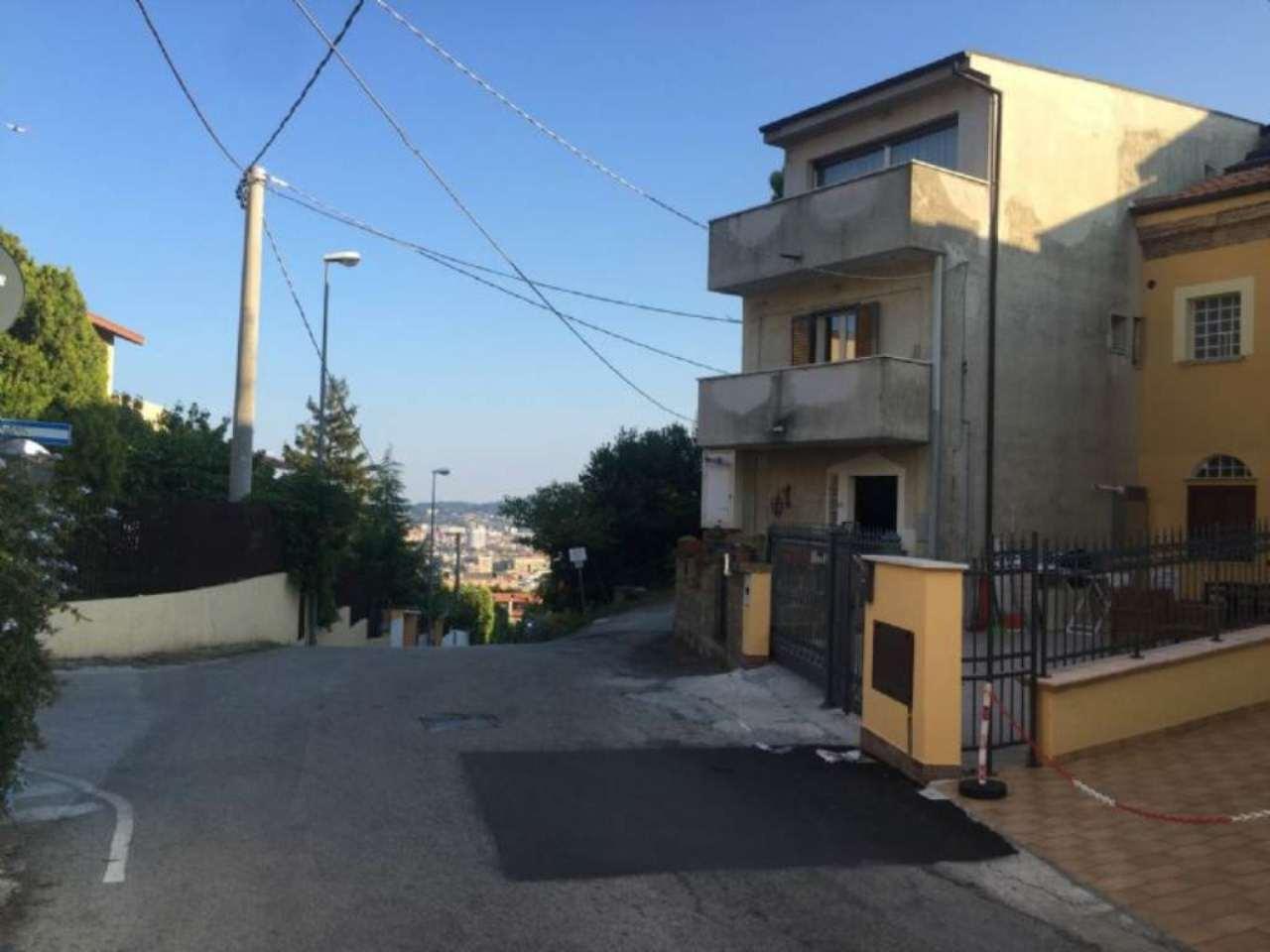 Soluzione Indipendente in vendita a Pescara, 4 locali, prezzo € 279.000 | Cambio Casa.it