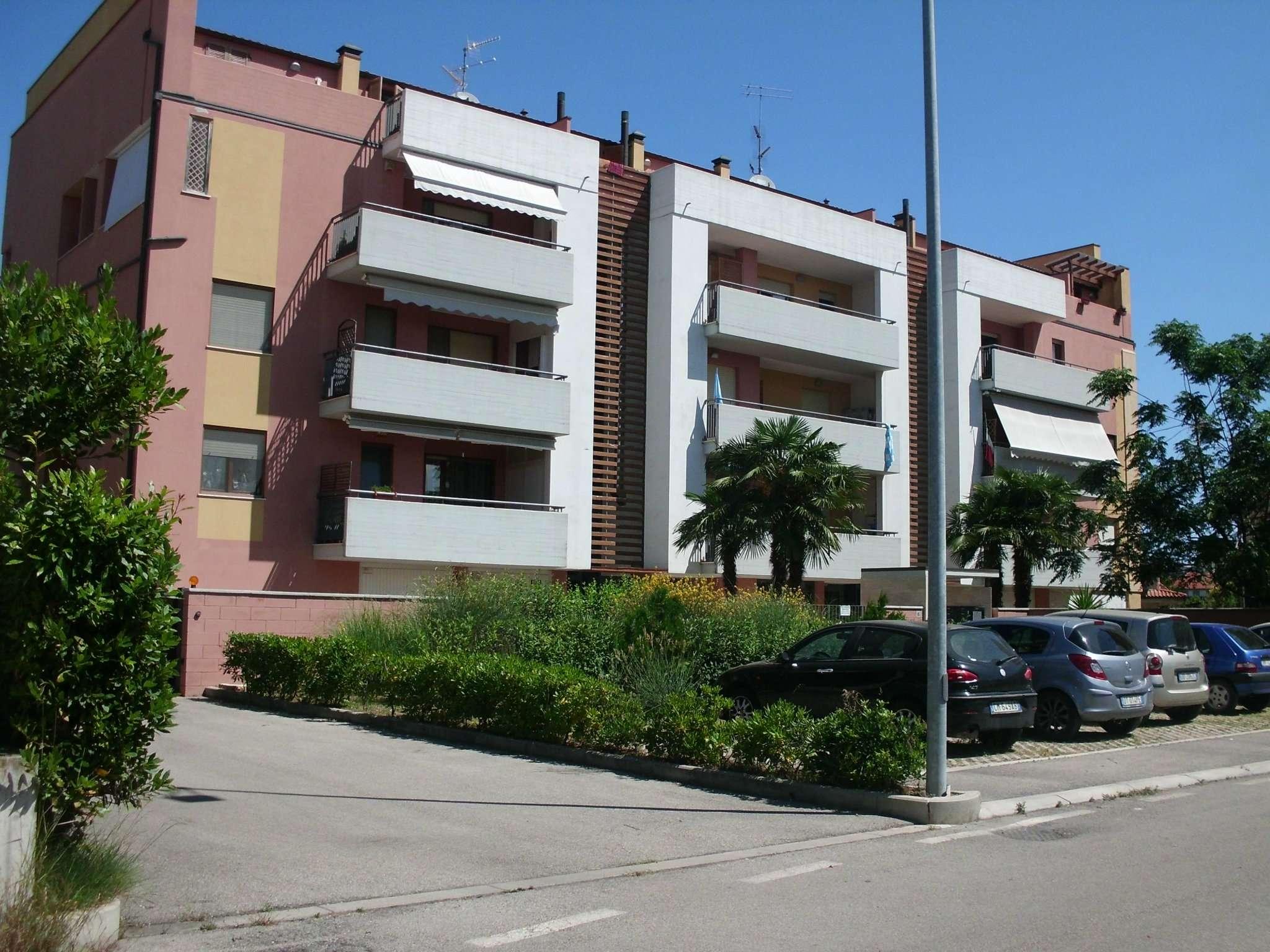 Attico / Mansarda in vendita a Montesilvano, 3 locali, prezzo € 120.000 | CambioCasa.it