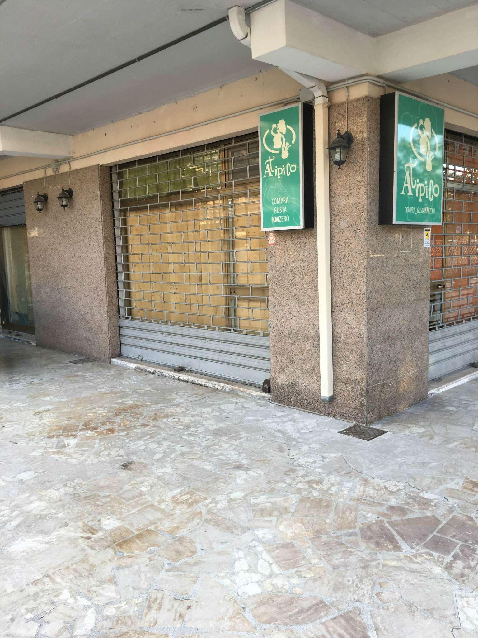 Ristorante / Pizzeria / Trattoria in vendita a Montesilvano, 2 locali, prezzo € 35.000   Cambio Casa.it