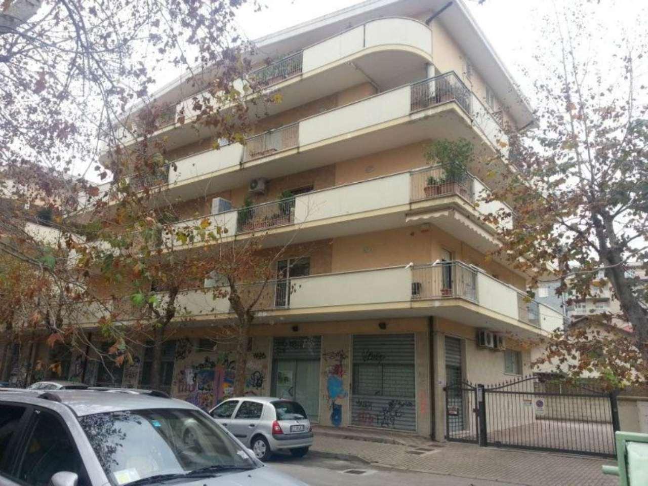Negozio / Locale in vendita a Pescara, 2 locali, prezzo € 75.000 | Cambio Casa.it