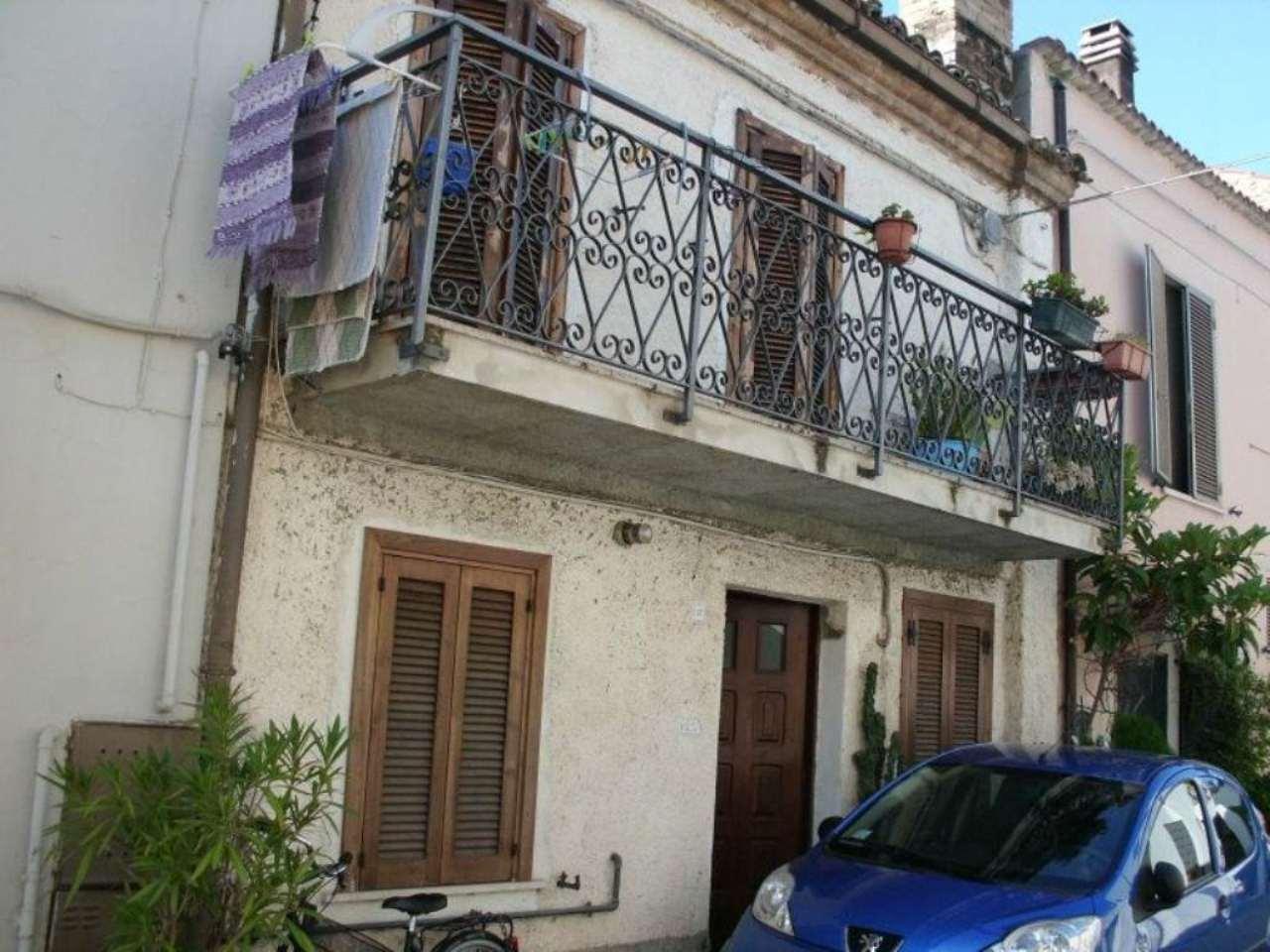 Soluzione Indipendente in vendita a Pescara, 4 locali, prezzo € 92.000 | Cambio Casa.it