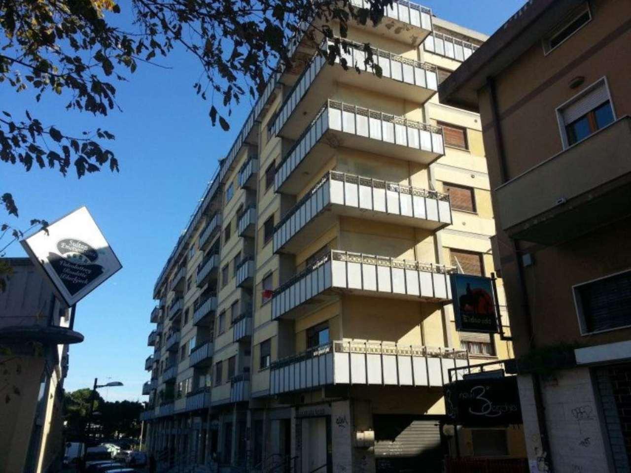 Negozio / Locale in vendita a Pescara, 3 locali, prezzo € 380.000 | Cambio Casa.it