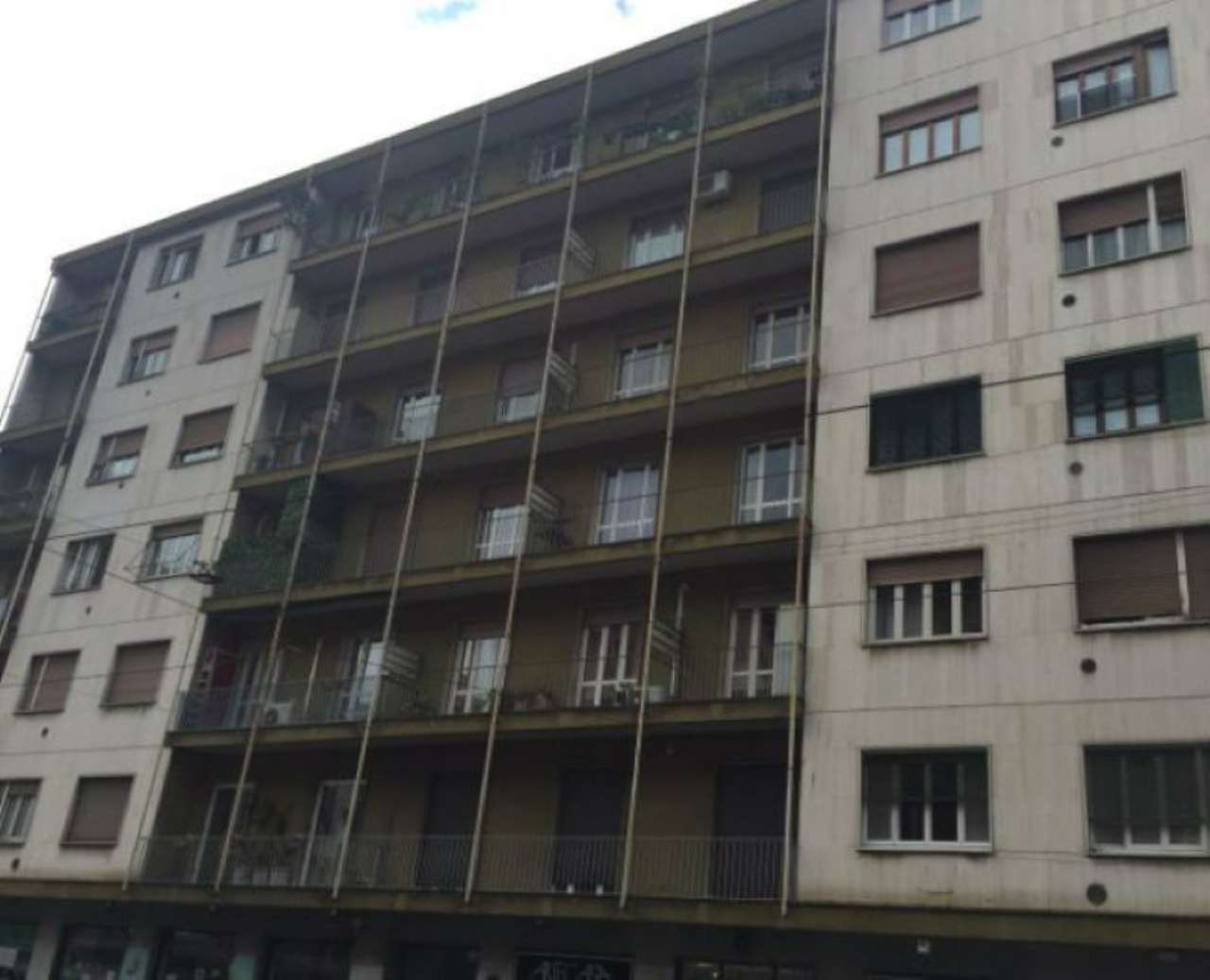 Bilocale Milano Via Giovanni Antonio Amadeo 3
