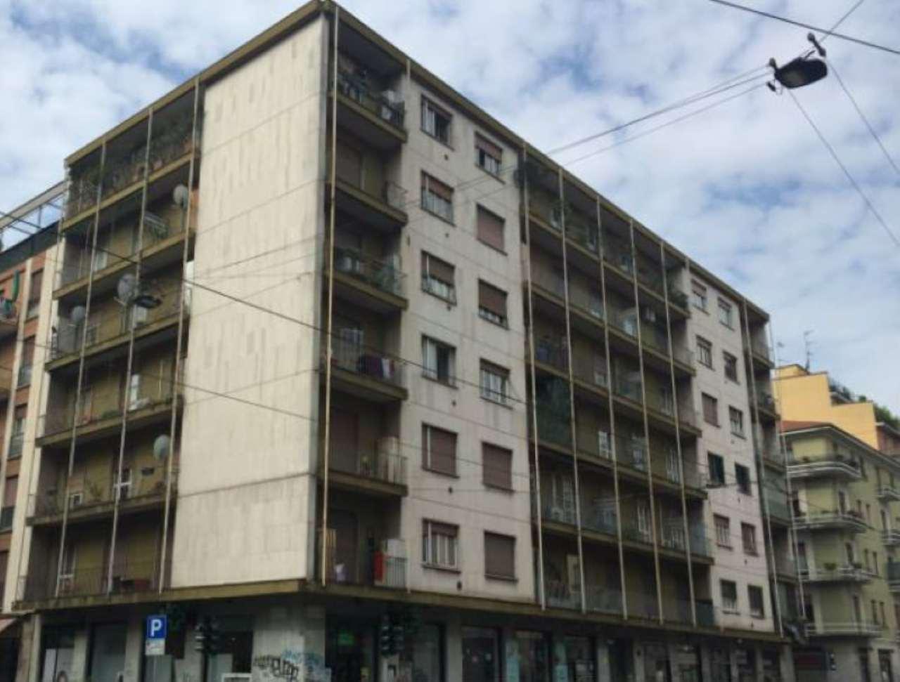 Bilocale Milano Via Giovanni Antonio Amadeo 1