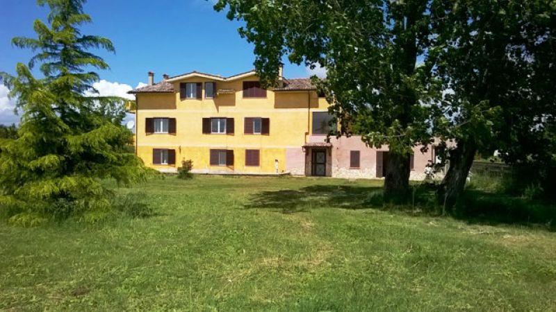 Soluzione Indipendente in vendita a Anguillara Sabazia, 11 locali, prezzo € 655.000   Cambio Casa.it