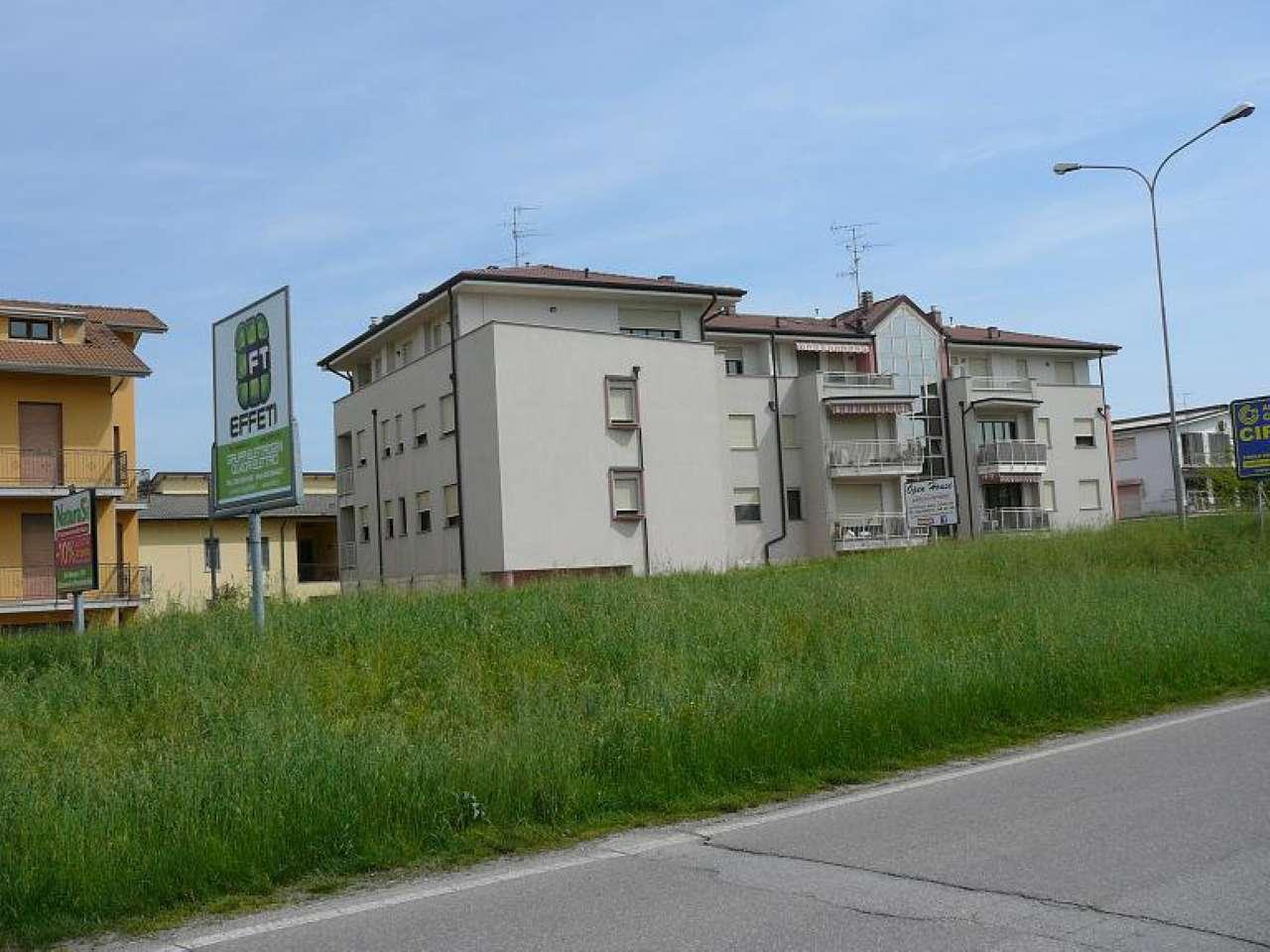 Bilocale Cento Via Ariosto 3