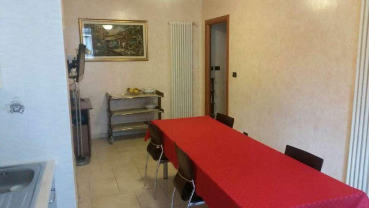 Bilocale Torino Via Monterosa 3
