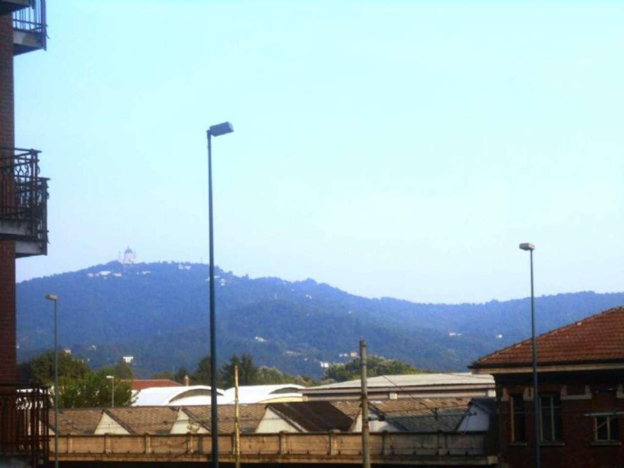 Bilocale Torino Via Pacini 11