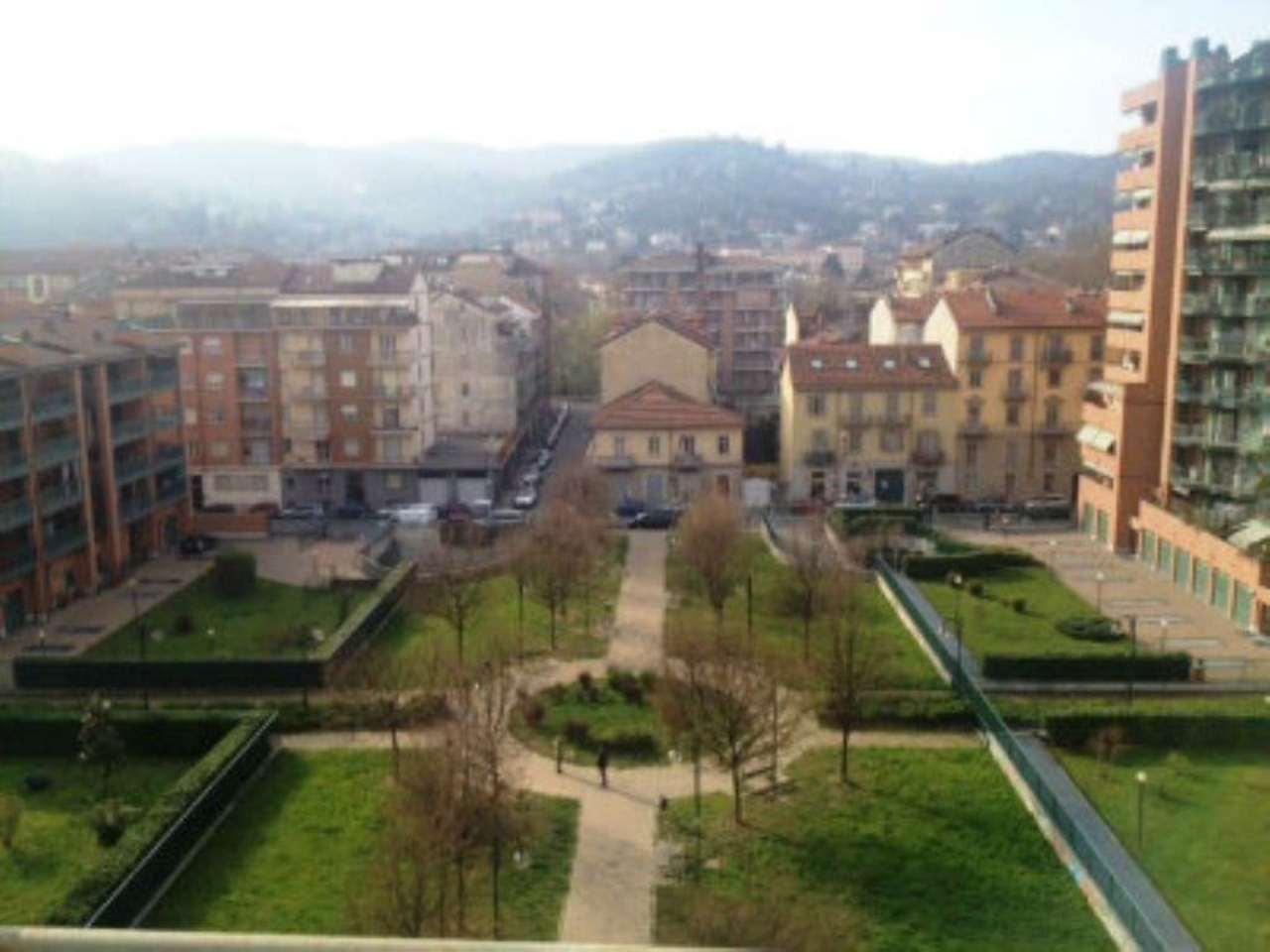 Bilocale Torino Via Oropa 4