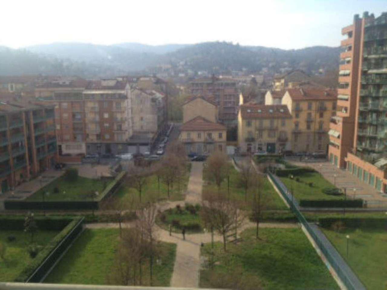Bilocale Torino Via Oropa 12