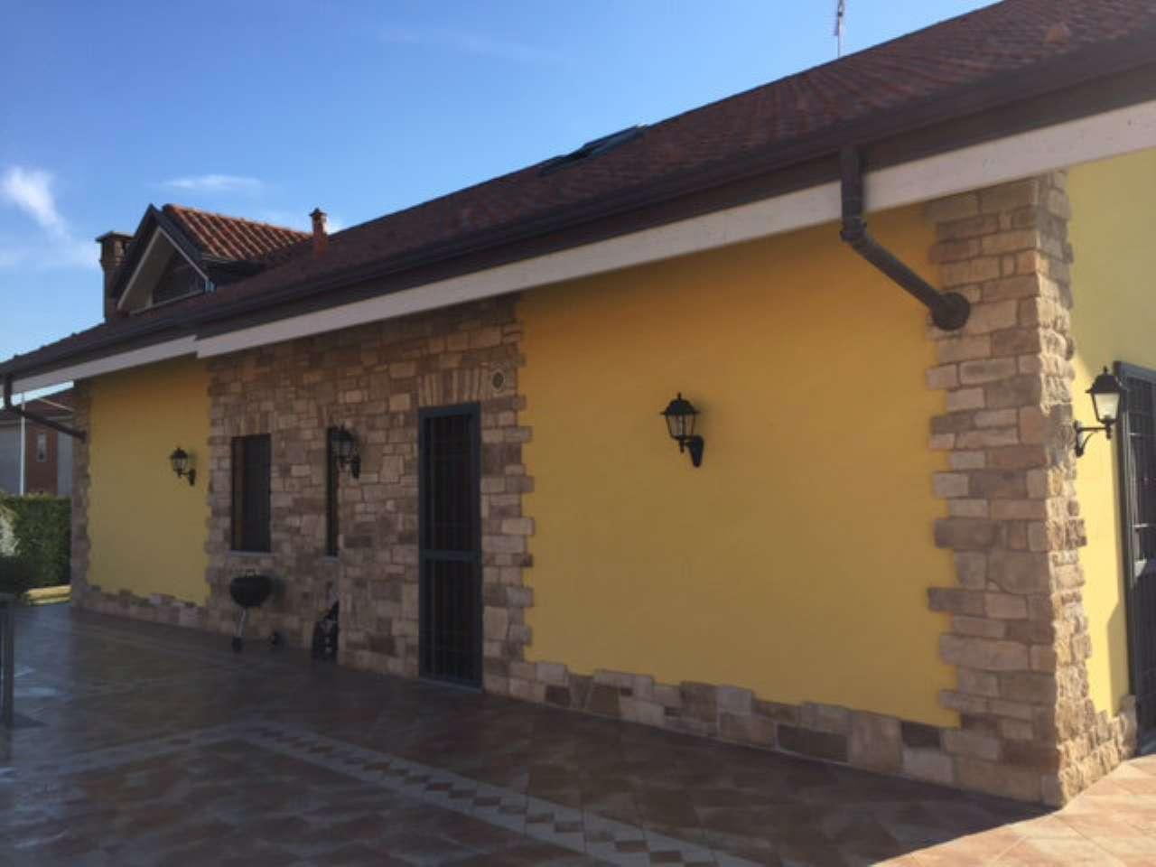 Villa in vendita a Pianezza, 7 locali, prezzo € 720.000 | Cambio Casa.it