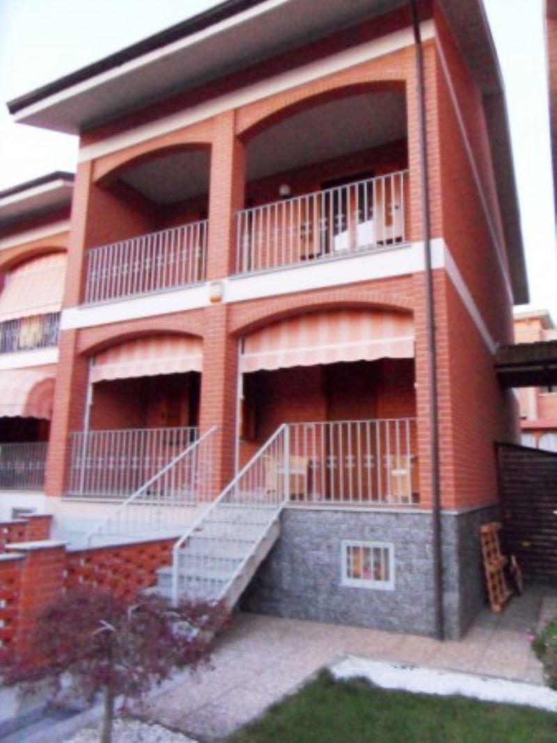 Villa in vendita a Poirino, 6 locali, prezzo € 270.000 | Cambiocasa.it