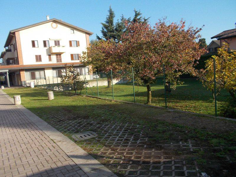 Appartamento in vendita a Correzzana, 3 locali, prezzo € 98.000 | Cambio Casa.it