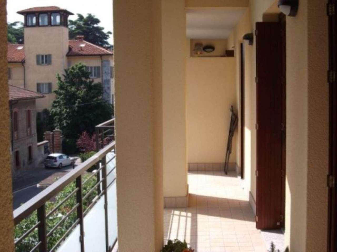 Bilocale Verano Brianza Via Camillo Benso Conte Di Cavour 9
