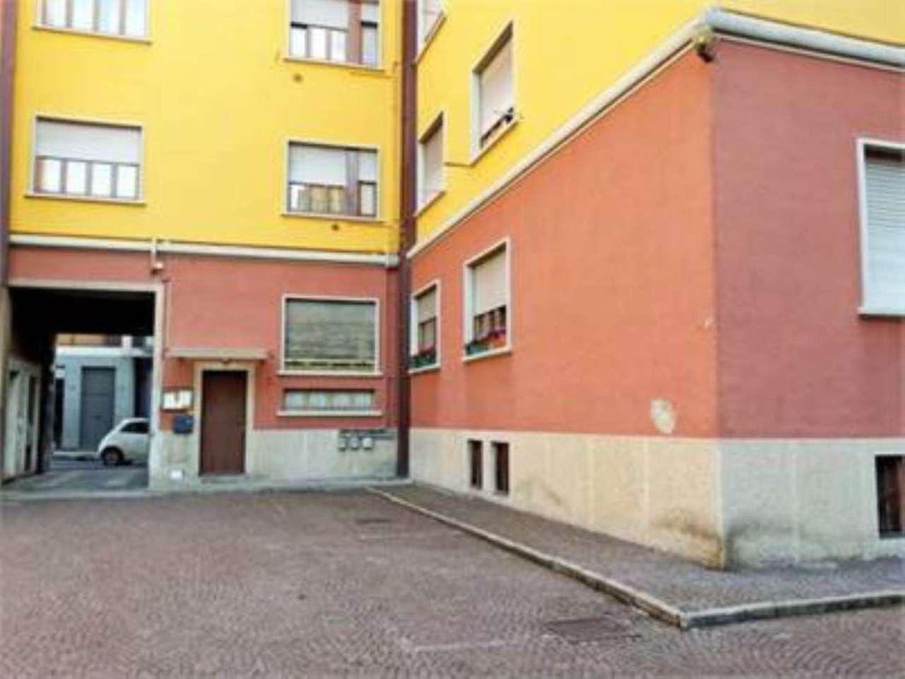 Bilocale Seregno Via Raffaello Sanzio 11