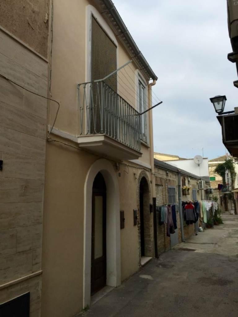 Bilocale Lucera Via Vico I San Gaetano 6