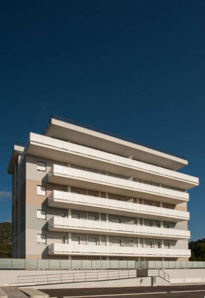 Bilocale Salerno Via Monticelli 10