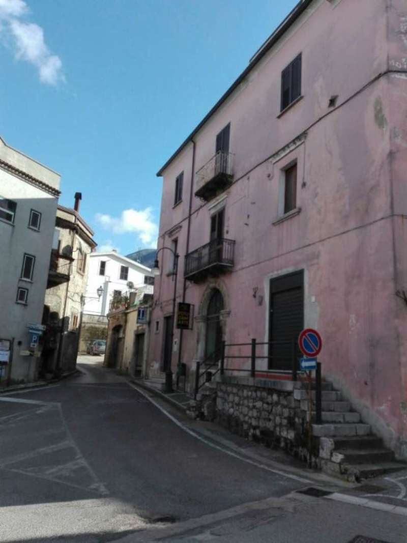 Bilocale Solopaca Piazza Castel San Martino 12