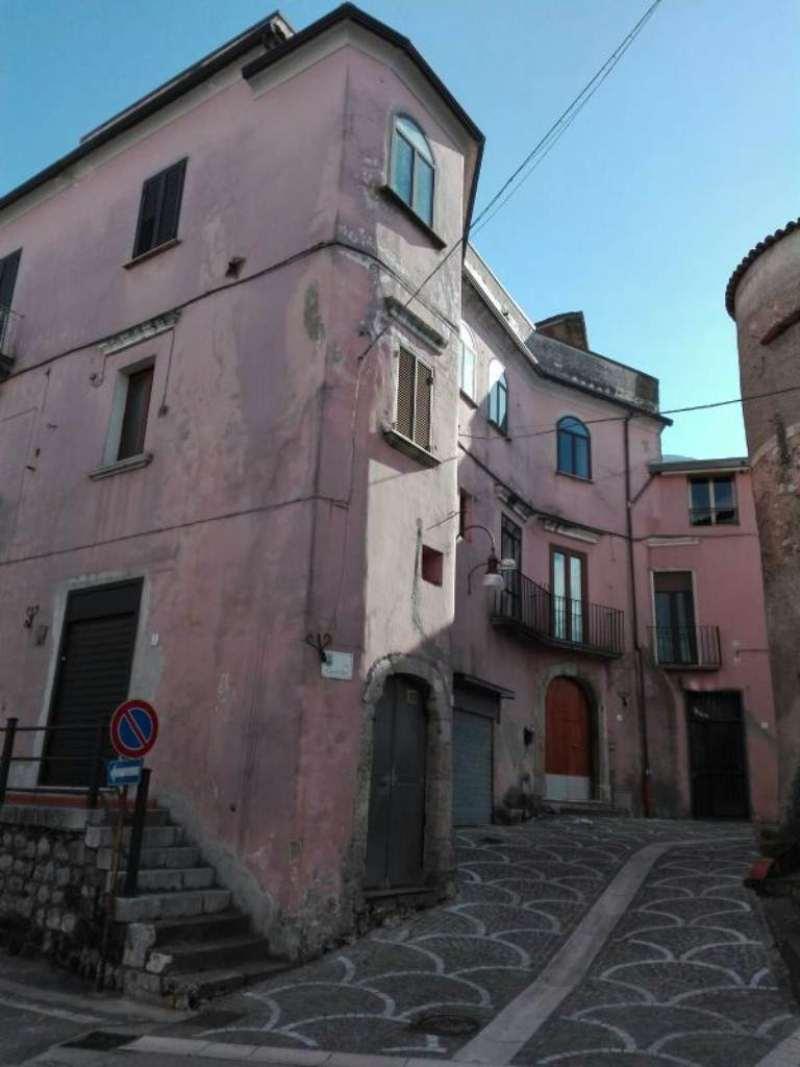 Bilocale Solopaca Piazza Castel San Martino 13