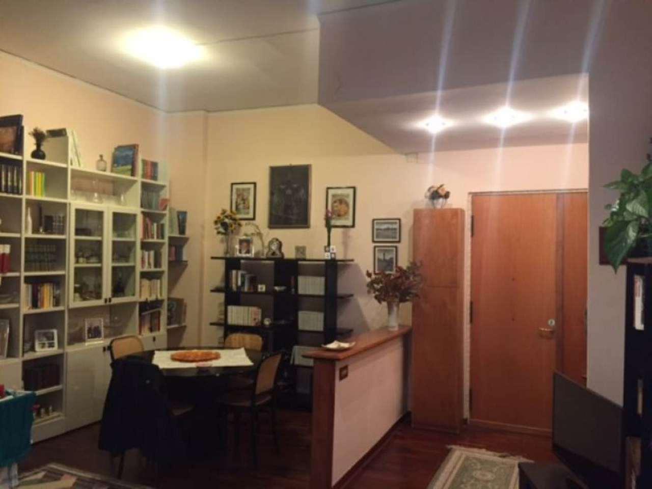 Bilocale Napoli Via Luca Giordano 3
