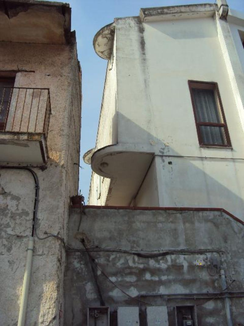 Bilocale Bellona Via Giordano Bruno 8