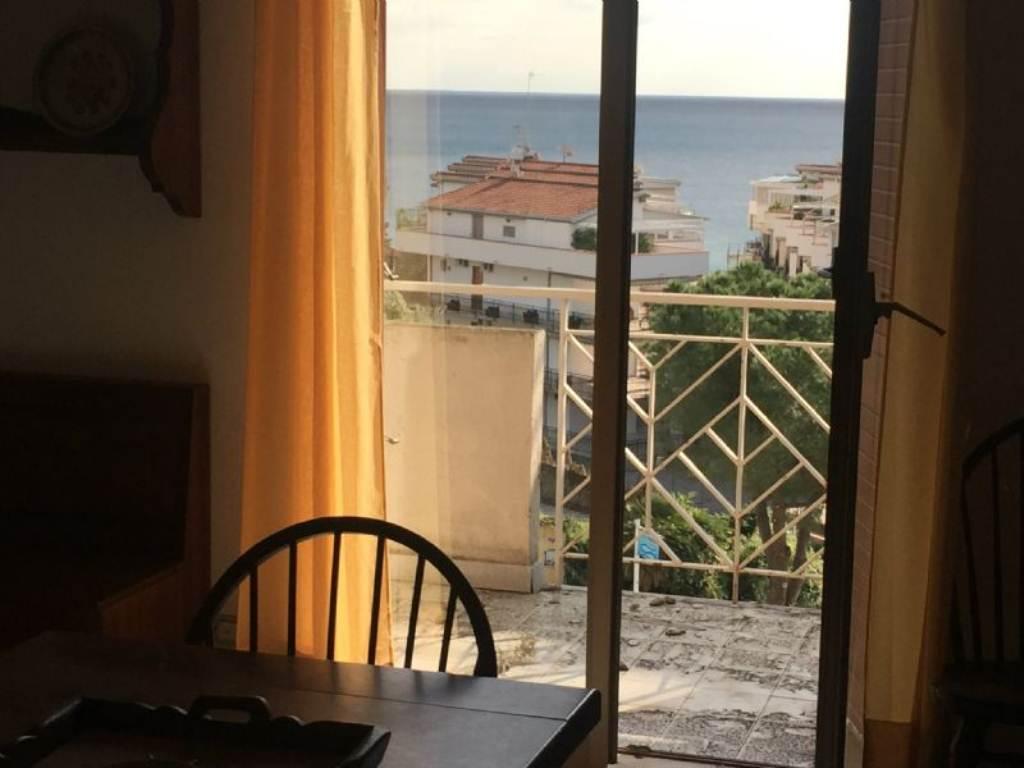 Bilocale Giardini Naxos Viale Jannuzzo 3